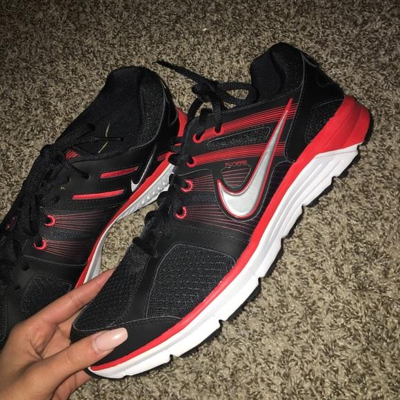 wholesale dealer f13e9 a8886 BRAND NEW NEVER WORN Men s Nike Kicks! M 5ae66233c9fcdfd17de4061d